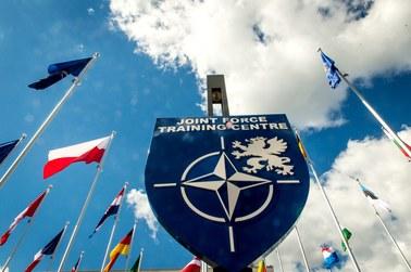 """USA mają """"żelazne zobowiązania"""" względem sojuszników z NATO. Biały Dom komentuje słowa Trumpa"""