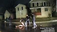 USA: Policjanci założyli mu kaptur na głowę i dusili. Ujawniono wstrząsające nagranie