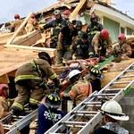 USA: Runął budynek w Waszyngtonie. Akcję utrudniała potężna burza