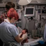USA: Szpital w stanie Nowy Jork wstrzymuje odbieranie porodów, bo personel nie chciał się szczepić