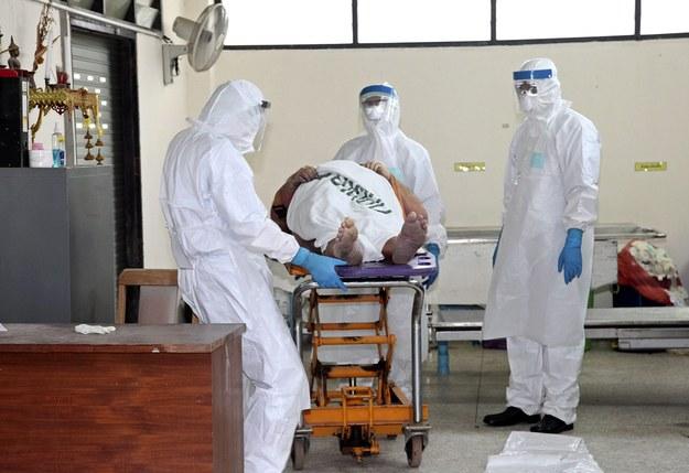 USA: Trzy stany zaostrzają przepisy w walce z ebolą