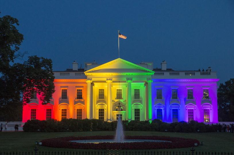 USA zalegalizowały małżeństwa homoseksualne /MICHAEL REYNOLDS    /PAP/EPA