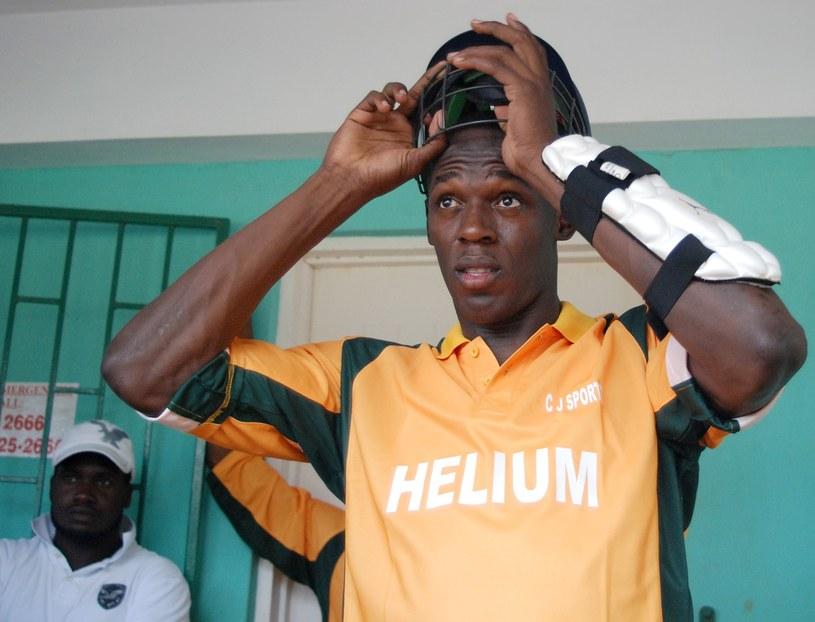 Usain Bolt lubi grać w krykieta /AFP