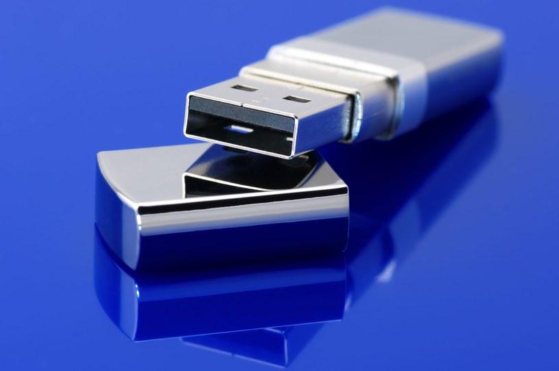 USB 3.0 - nad tą technologią pracowali także Polacy /123RF/PICSEL