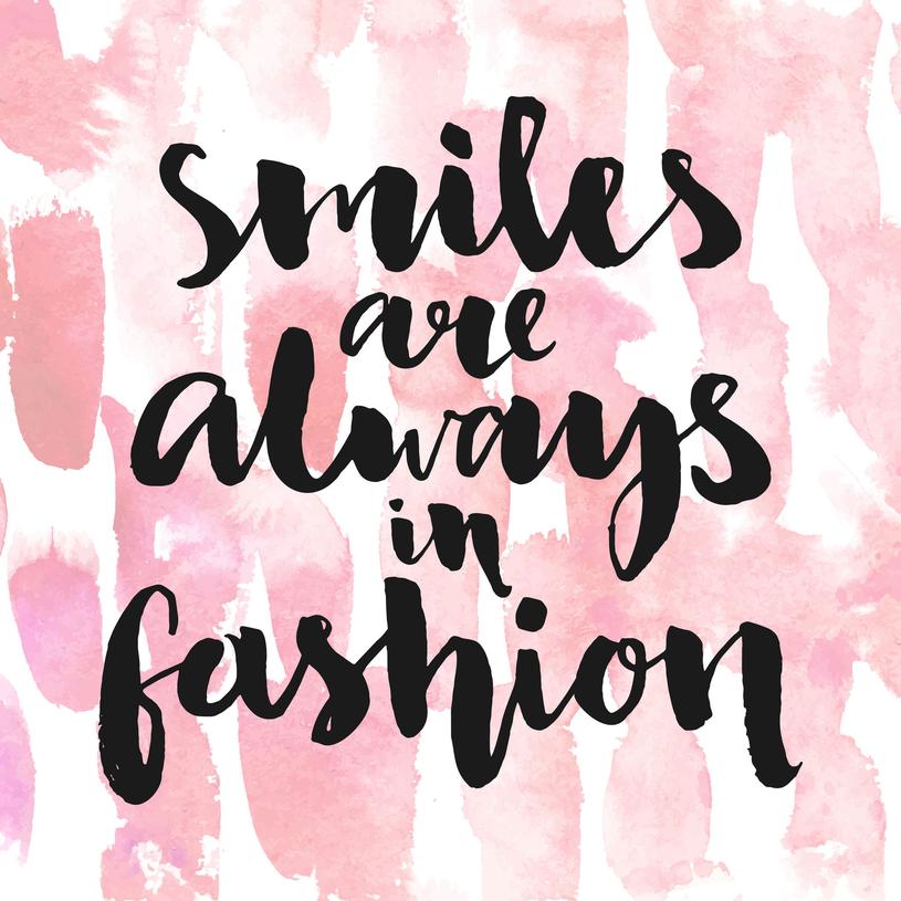 Uśmiech zawsze jest modny /Picsel /123RF/PICSEL