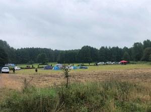 Usnarz Górny: W pobliżu granicy powstało miasteczko namiotowe z kuchnią polową i toaletą