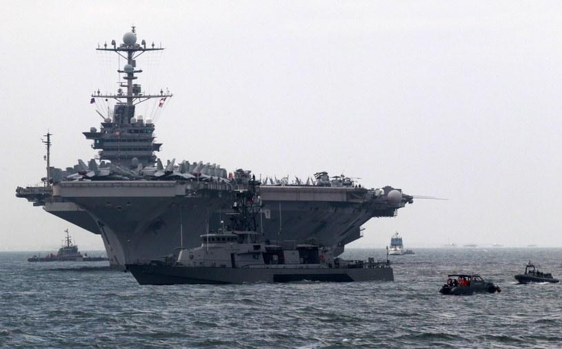 USS George Washington - Stany Zjednoczone przegrupowują swoje morskie siły zbrojne na Morzu Śródziemnym /PAP/EPA