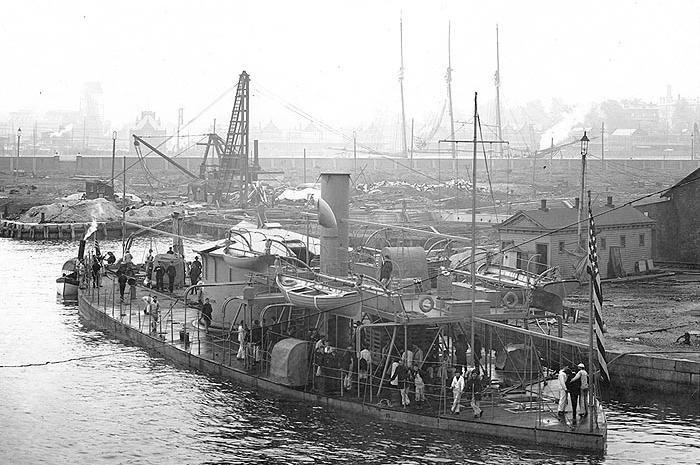 "USS ""Sangamon"", okręt typu ""Passaic"" - wersja rozwojowa ""Monitora"" /US Navy Archives /materiały prasowe"