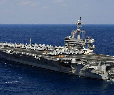 """USS """"Theodor Roosevelt"""". Koronawirus dziesiątkuje załogę"""