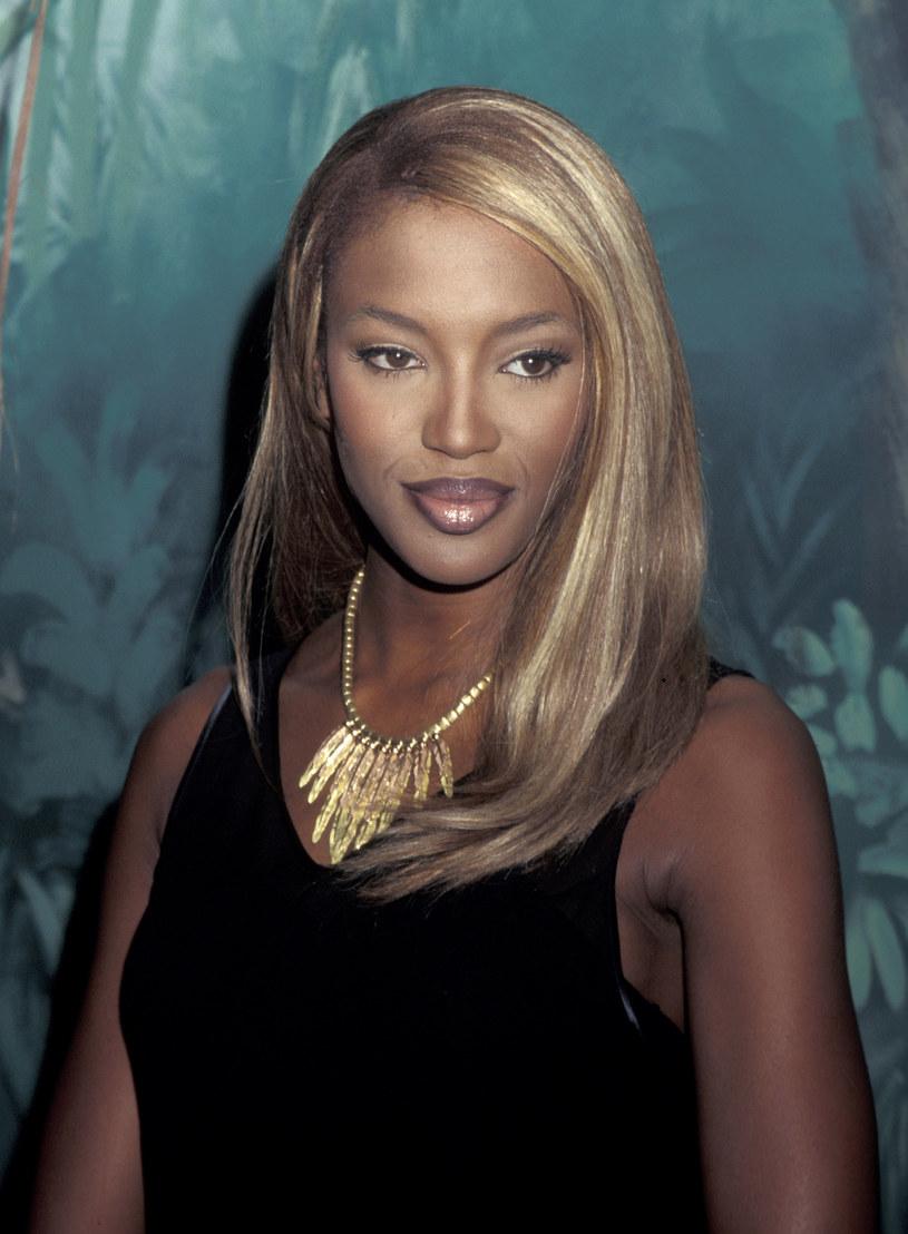 Usta Naomi Campbell to jej znak rozpoznawczy. Od początku kariery kredka do ust była bazą makijażu modelki /Getty Images
