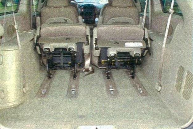 Ustawienie foteli można modyfikować. Bagażnik ma pojemność do 4080 l. /Motor