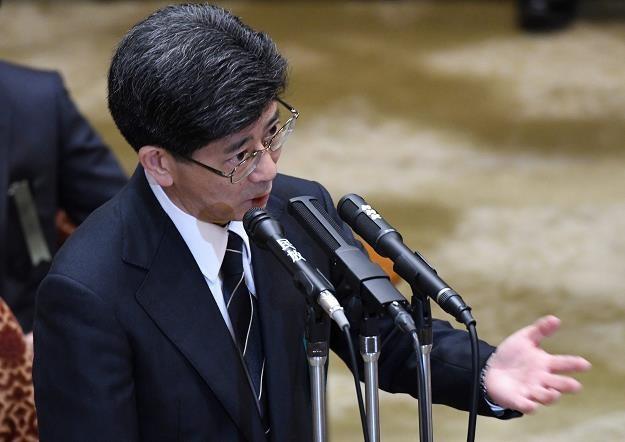 Ustawy premiera Abe zmienią rynek pracy i wejdą w życie w 2020 r. /AFP
