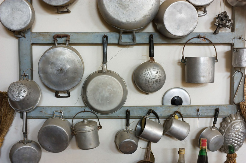 Usuń z kuchni aluminiowe garnki /123RF/PICSEL