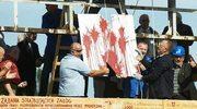 """Usunęli napis """"im. Lenina"""" z bramy stoczni. Jest postępowanie"""