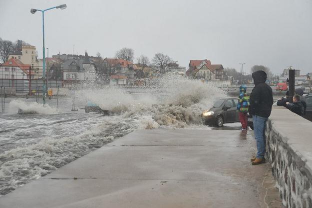 Usunięcie szkód po orkanie będzie kosztować 55 mln zł /fot. Hubert Bierndgarski /Reporter