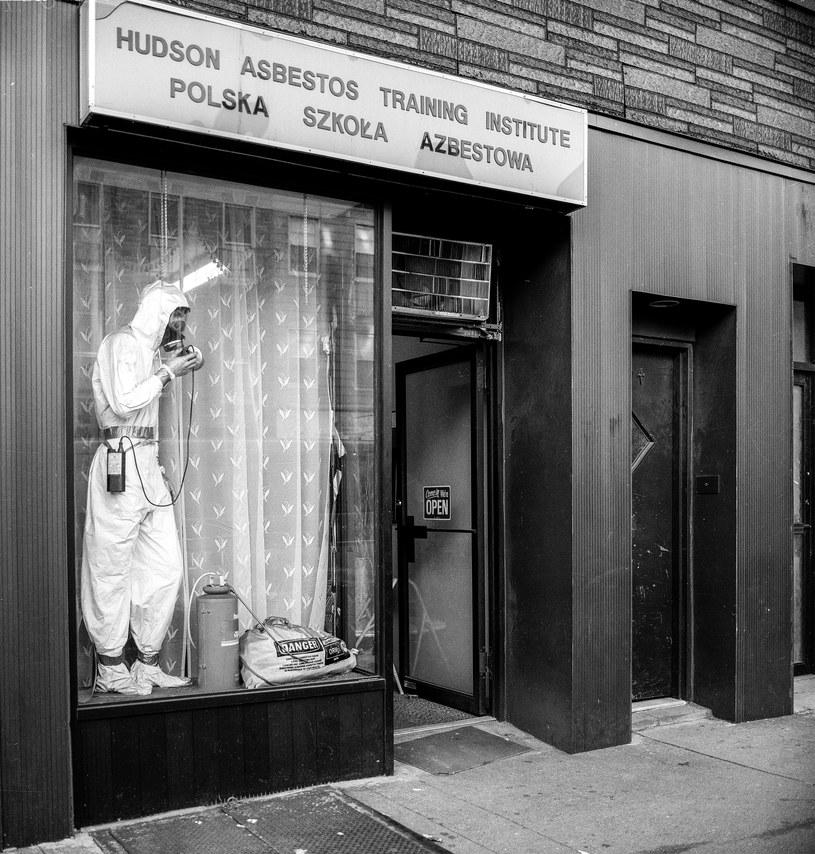 Usuwanie azbestu z budynków było dobrze płatną pracą /fot. Wojciech Kubik /materiały prasowe