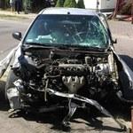 """Uszkodził 3 samochody i 2 bramy. """"Wydmuchał"""" 1,2 promila"""