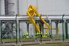 Uszkodzona instalacja w gazoporcie w Świnoujściu