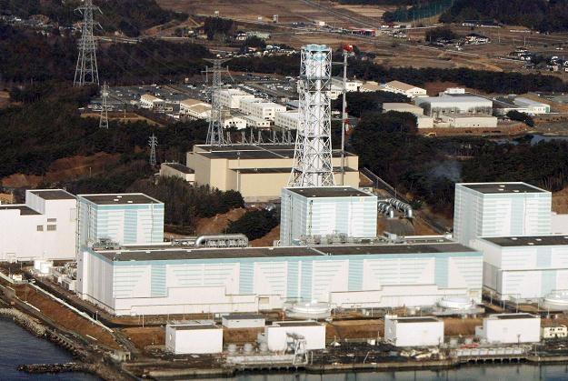 Uszkodzona po trzęsieniu ziemi elektrownia atomowa Fukushima /AFP