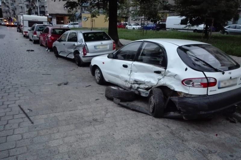 Uszkodzone auta /Policja /