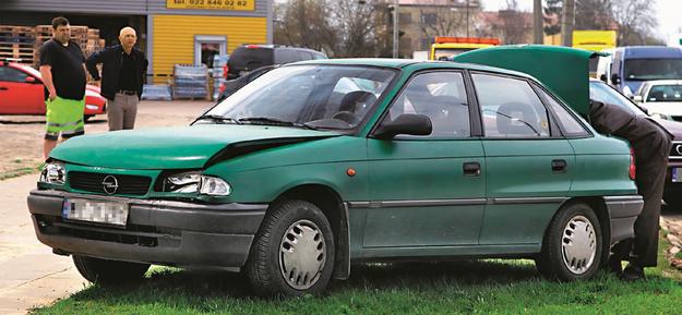 uszkodzone auto /Motor