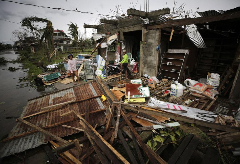 Uszkodzone przez żywioł budynki w Baggao na Filipinach /FRANCIS R. MALASIG /PAP/EPA