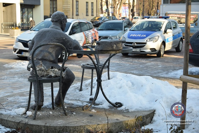 Uszkodzony pomnik  Jana Himilsbacha /Policja