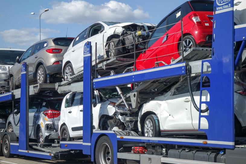 Utrudnienia w ruchu granicznym spowodowały znaczny spadek importu /Piotr Kamionka /Reporter