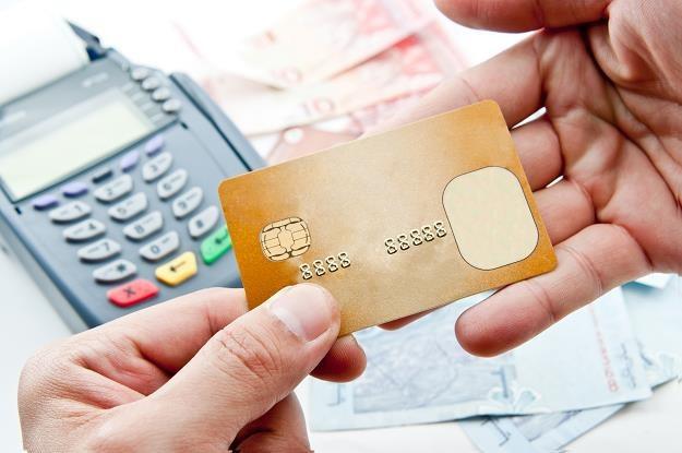 Uwaga na bankomaty za granicą /©123RF/PICSEL