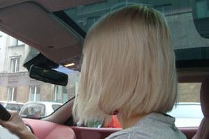 Uwaga na blondynki z tipsami