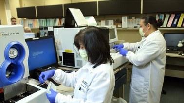 Uwaga na fałszywie negatywne wyniki testów na koronawirusa