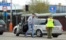 0007QJ90335GXBPO-C307 Uwaga na granicach - wracają kontrole!