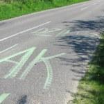 """Uwaga! Nowe oznakowanie dróg. """"Dziury jak..."""""""