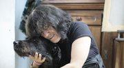 Uwaga! TVN: Sławna malarka, zrujnowany dom i 70 psów