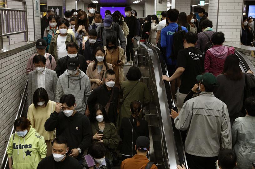 Uważa się, że szczep GH rozprzestrzenia się znacznie szybciej i łatwiej /Chung Sung-Jun /Getty Images