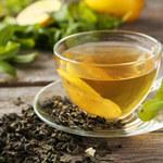 Uważaj na suplementy z zielonej herbaty