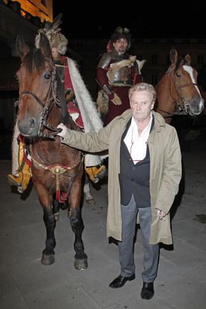 Uwielbia jeździć konno, a na konnych przejażdżkach spędza niemal każdy poranek. /fot  /AKPA