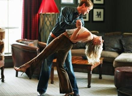 Uwodzenie kobiety jest jak taniec - jeśli ona prowadzi, to nie wygląda to najlepiej /ThetaXstock