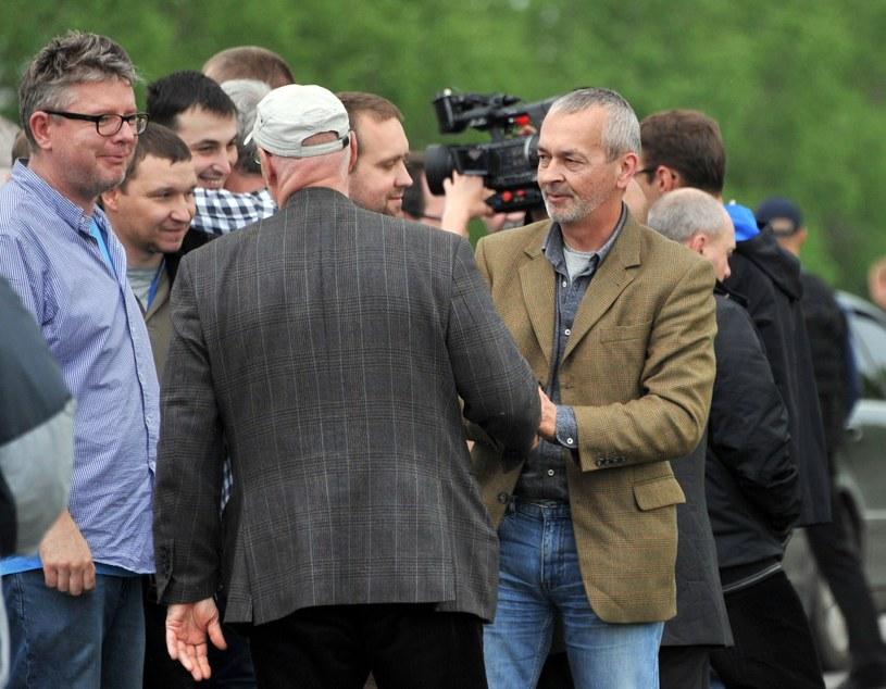 Uwolnienie obserwatorzy OBWE, m.in. mjr Krzysztof Kobielski (2L) /AFP