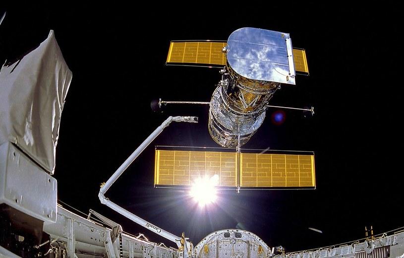 Uwolnienie teleskopu Hubble - misja STS-31 /NASA