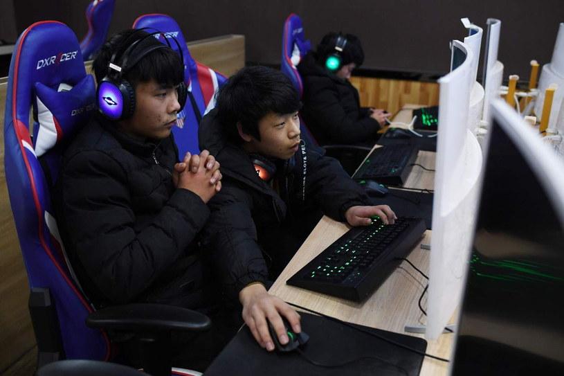 Uzależnienie od gier to coraz większy problem w Chinach /AFP
