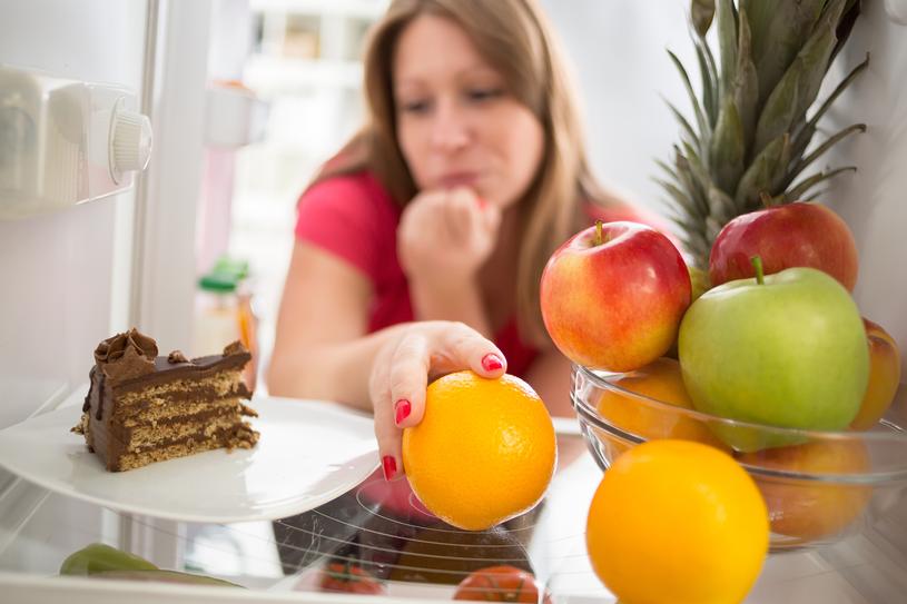 Uzależnienie od słodyczy mozna pokonać /123RF/PICSEL