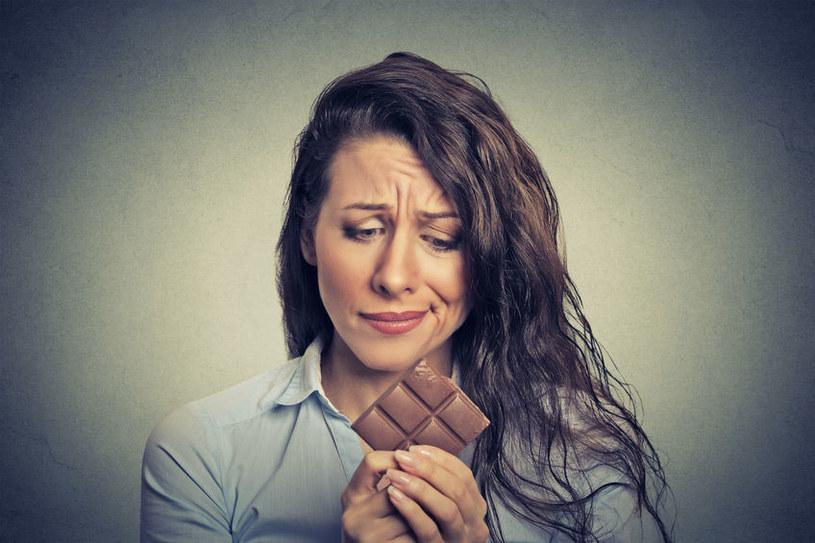 Uzależnienie od słodyczy /©123RF/PICSEL