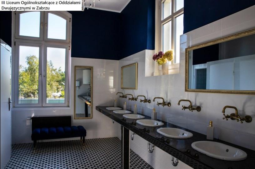 Uznano, że szkolna łazienka wygląda nie tylko wyjątkowo, ale także luksusowo /Facebook