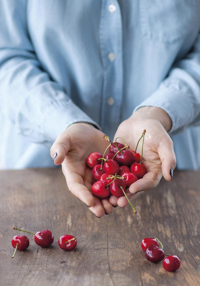 Użyj owoców sezonowych /PANI