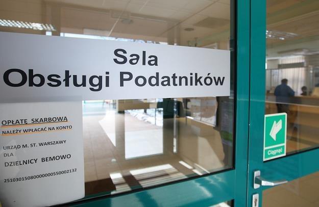 Uzyskaną korzyścią trzeba się podzielić z fiskusem... Fot. STANISŁAW KOWALCZUK /Agencja SE/East News