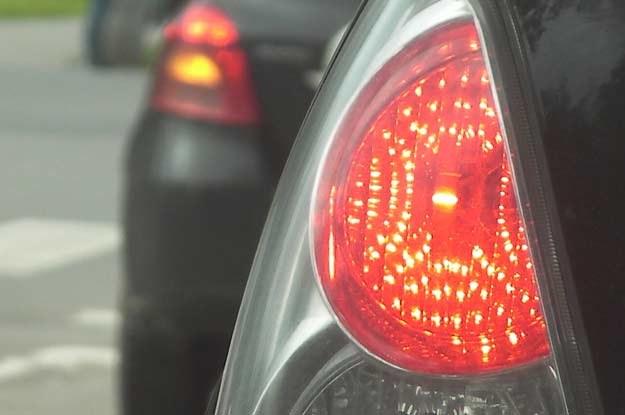 Użytkownicy samochodów wprowadzają czasami w błąd innych  kierowców /INTERIA.PL