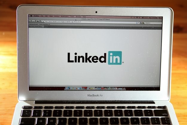 Użytkownicy serwisu społecznościowego LinkedIn znaleźli się na celowniku twórców złośliwych programów /AFP