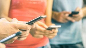 Użytkownicy tych smartfonów masowo zmieniają lokalizację na Francję. Dlaczego?