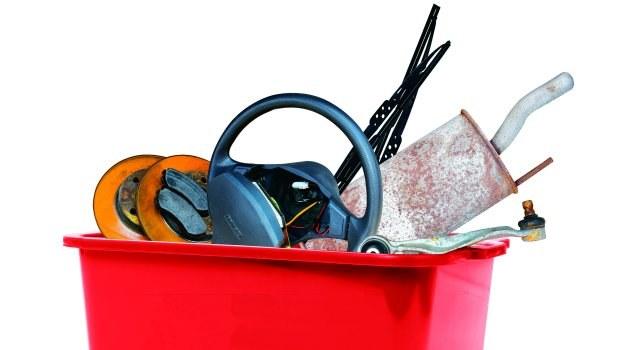 Używane części, których nie wolno sprzedawać i tak są łatwo dostępne. /Motor
